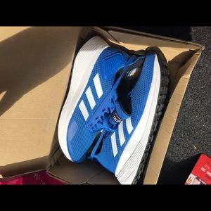 Youth size 4